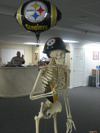 Illustration for article titled Steelers Skeleton Will Not Tolerate This Abuse
