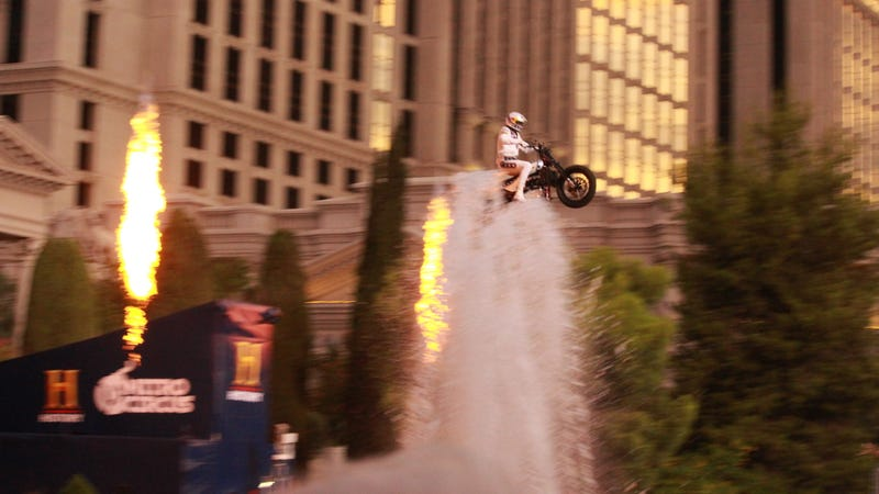Illustration for article titled Travis Pastrana Lands Three Incredible Jumps To Break Evel Knievel's Record