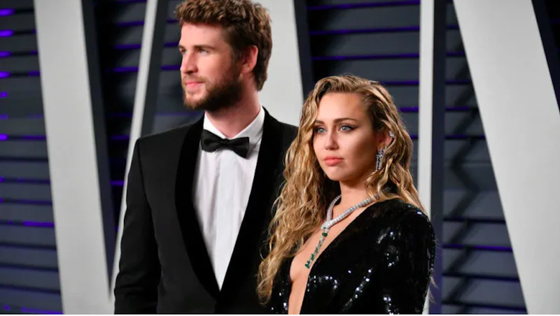 Illustration for article titled Maybe Miley Cyrus and Liam Hemsworth's Breakup Wasn't So Amicable After All