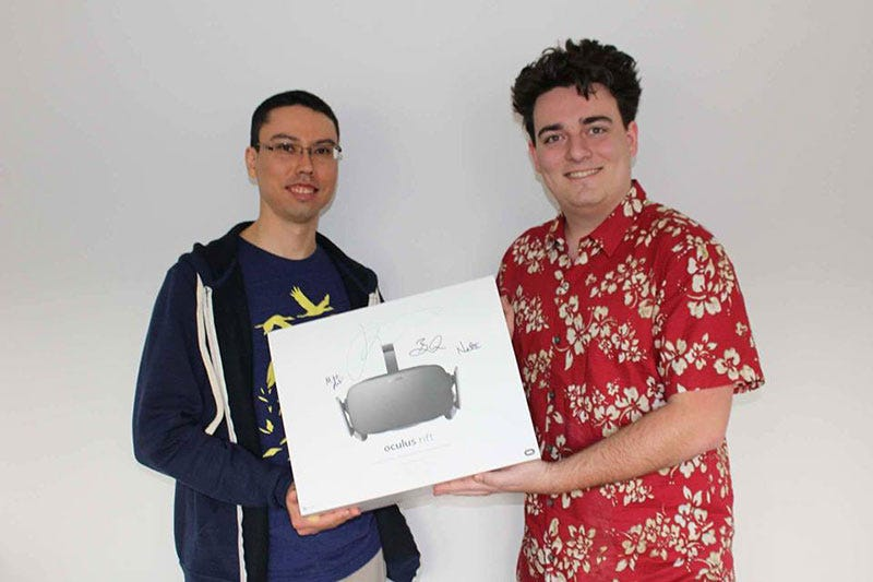 Illustration for article titled Palmer Luckey Braves Alaskan Cold To Deliver First Oculus Rift