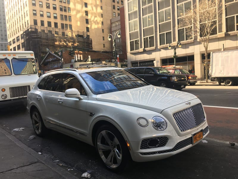 Illustration for article titled First Bentley Bentayga I've seen in the wild