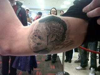 Illustration for article titled Some Guy Got A Giant Tattoo Of Stevie Johnson's Head On His Arm