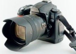 Illustration for article titled How to clean your DSLR camera lens