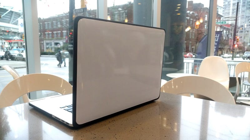Illustration for article titled Add a DIY Whiteboard to Your Laptop Lid