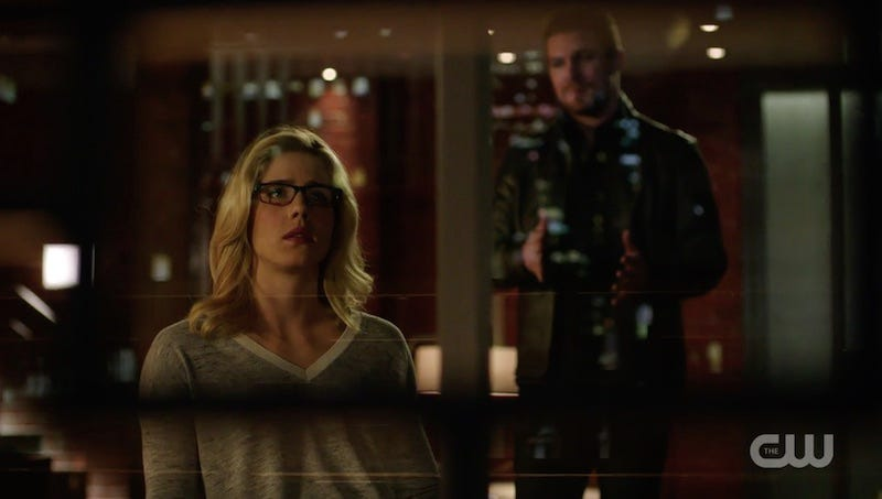 Illustration for article titled Oliver and Felicity's Relationship on Arrow Finally Makes Sense to Me