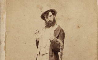 Illustration for article titled Historic Photos On The Evils Of Alcohol Are Unintentionally Hilarious