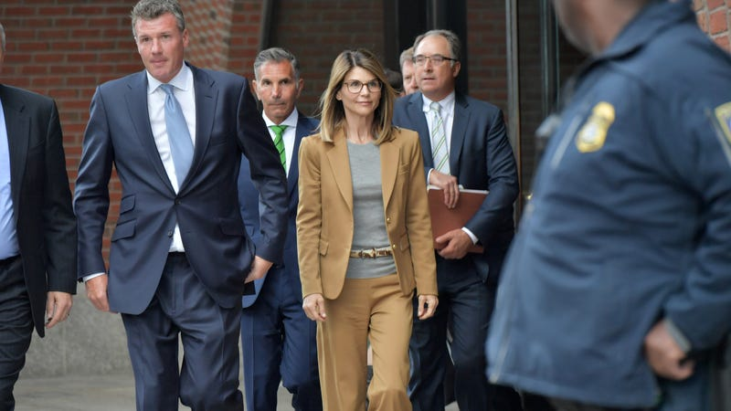 Illustration for article titled Lori Loughlin and husband Mossimo Giannulli plead not guilty in college admissions bribery case