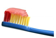 Illustration for article titled MacGyver Tip: Clean small objects with denture cleansers