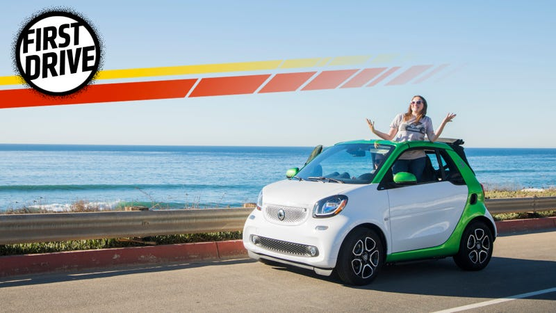 The Electric Smart Fortwo Is Answer To People Who Say Cars Aren T Weird Anymore