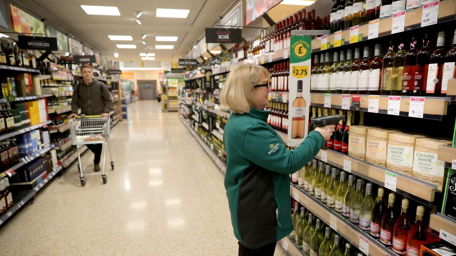 UK Supermarkets Will Test Using Facial Recognition to Verify Alcohol Buyers' Age, Report Claims