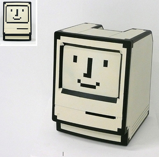 Illustration for article titled Mac Classic Devolves to Icon
