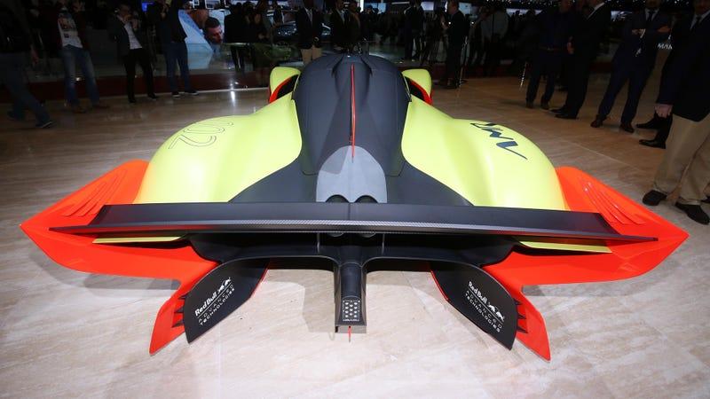 Illustration for article titled The 1,100 Horsepower Aston Martin Valkyrie AMR Track Car Looks So Goddamn Cool