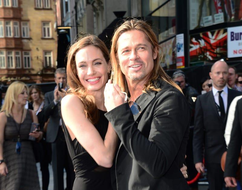 Illustration for article titled Angelina Jolie először mutatkozott a műtétje óta
