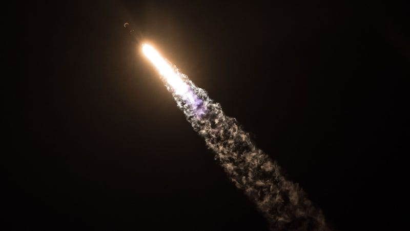 The Falcon 9 rocket blasts off with the doomed Zuma satellite on board, January 7, 2018.