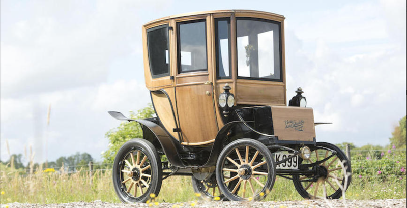 Illustration for article titled 110-Year-Old Electric Car Sells for $95,000