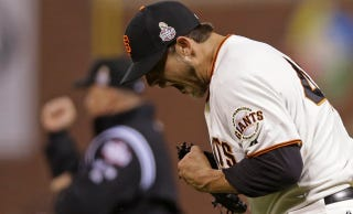 Illustration for article titled Giants Ride Madison Bumgarner To A Commanding 2-0 World Series Lead