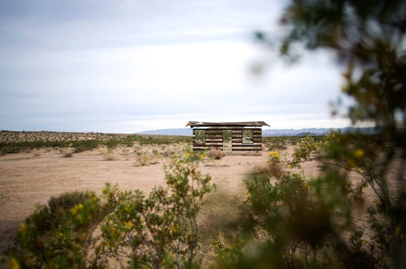 Illustration for article titled Can You Spot The 70-Year-Old Homesteader's Shack Hiding In The Desert?