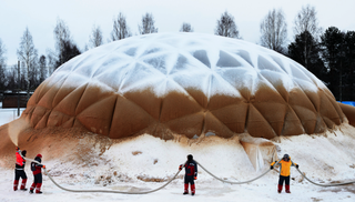 Illustration for article titled A Bizarre WWII-Era Supermaterial Made of Ice Is Making a Comeback