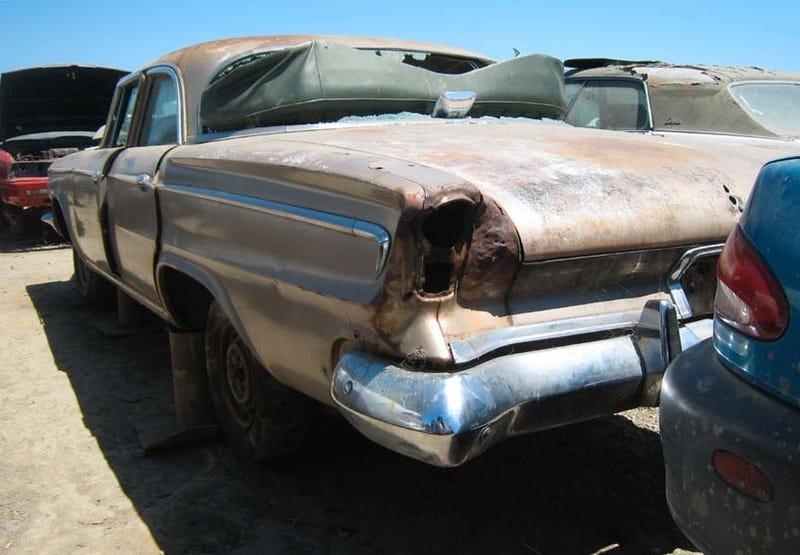 Illustration for article titled 1963 Dodge 880
