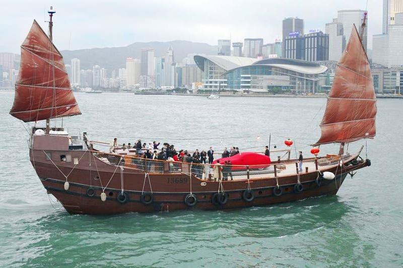Illustration for article titled 1000th Hong Kong Ferrari Delivered On Junk Ship
