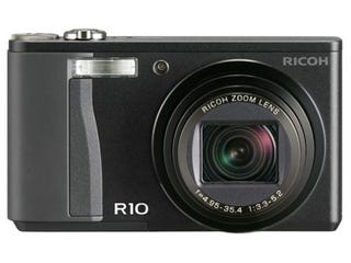 Illustration for article titled Ricoh R10 Digital Compact Cam is Updated R8, Bigger Screen