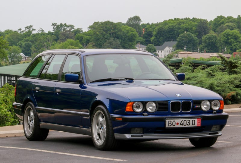 Illustration for article titled Spend All Of Your Holiday Gift Budget On This 1993 BMW M5 Wagon