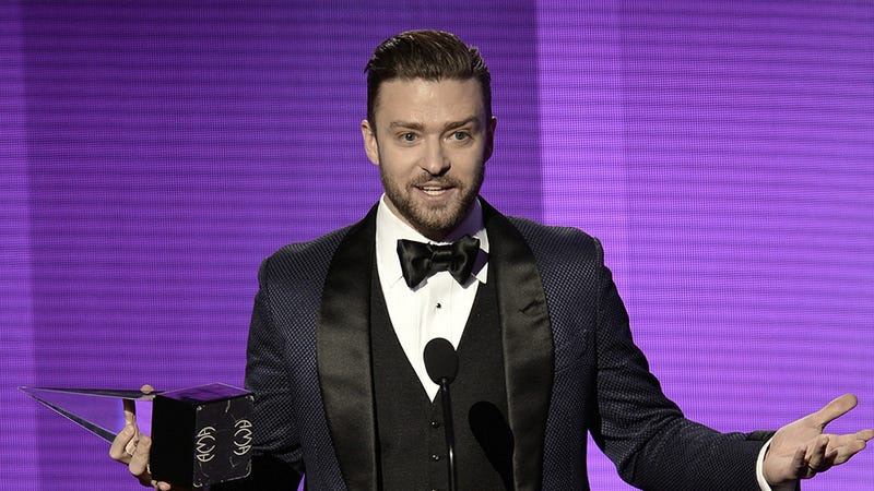 Illustration for article titled The Only AMAs GIF You Need, Starring Justin Timberlake and Taylor Swift