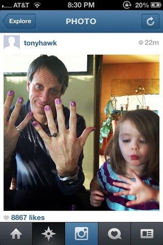 Illustration for article titled Tony Hawk bemutatja, milyen egy lányos apa élete