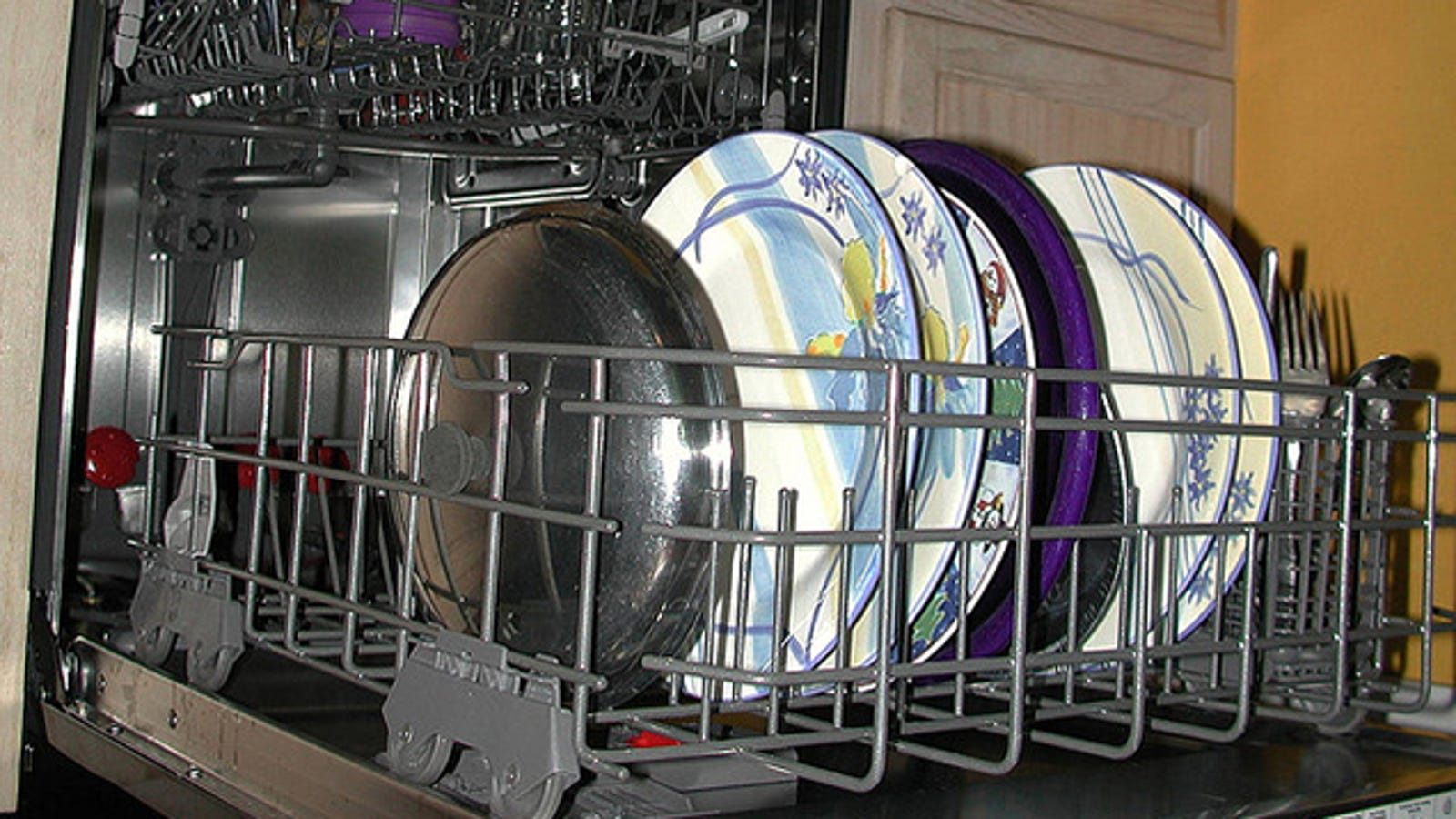 stop hand-washing: newer dishwashers save more water than you can