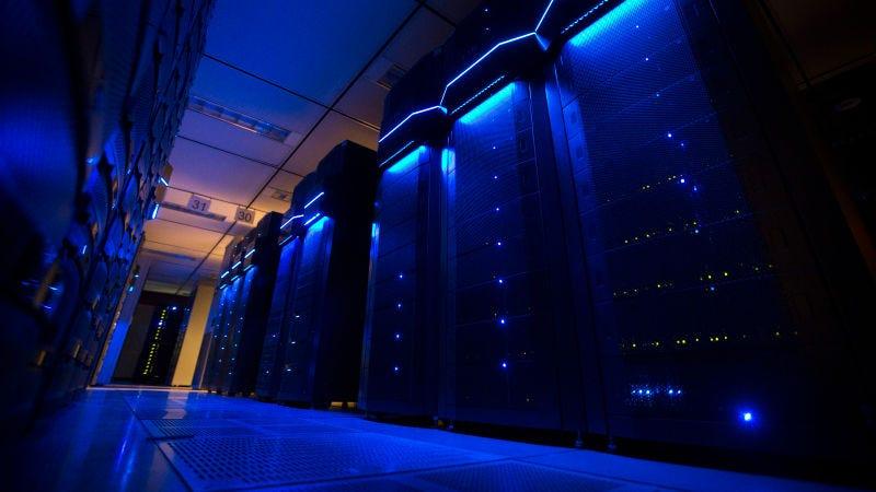 Todo lo que sabemos acerca del ciberataque que tumbó el Internet en los Estados Unidos