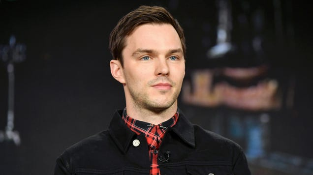 Nicholas Hoult Will Star as Dracula s Henchman in Universal Monster Comedy Renfield