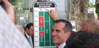 Illustration for article titled LA's New Parking Signs Are Brilliant and Every City Should Copy Them