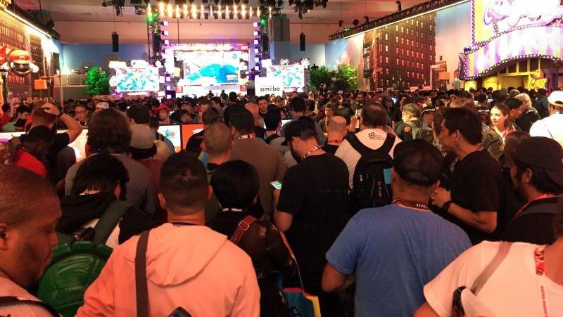 A crowd gathers at E3 2017