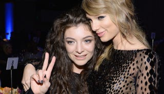 Illustration for article titled Taylor Swift and Lorde Are 'LOLing' Together, Definitely Not Fighting