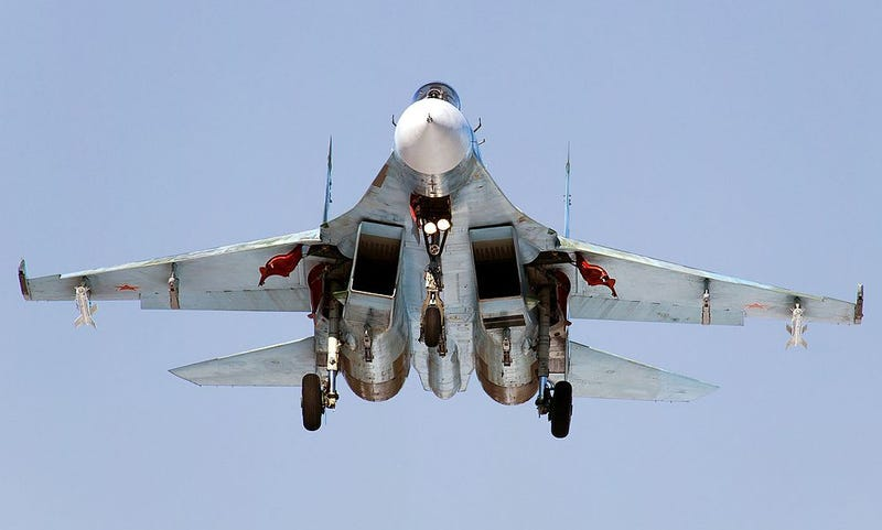 Illustration for article titled Russian Fighter Jets Are In Syria, Air Force Boss Wants Raptor Base In Europe