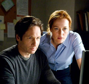 """Illustration for article titled The Truth Is, Mulder & Scully Are Just """"Two 40-Something Adults With Trust Issues"""""""