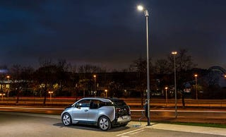 Illustration for article titled BMW Wants to Put a Vehicle Charging Station In Every Street Light