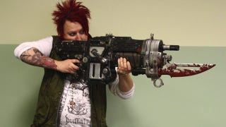 Illustration for article titled Want a Massive Bloody-Bladed Firearm With Your Copy of Gears of War 3?