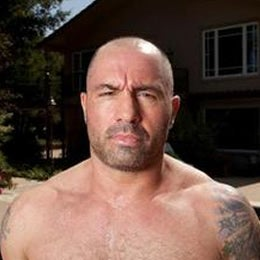 Illustration for article titled What if Joe Rogan is a Bigfoot/Human Hybrid?