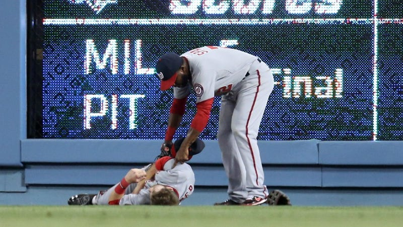 Illustration for article titled Again: Bryce Harper's Misplay Was A Blooper, Not An Act Of Heroism