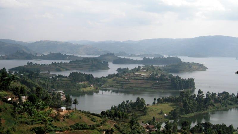 Illustration for article titled A Bunyonyi-tó délnyugat-Ugandában