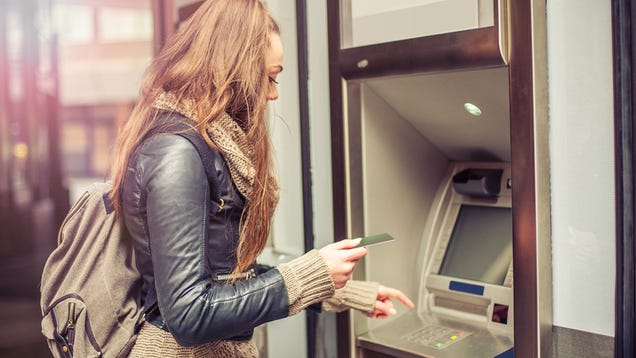 What to Do If You Lose Your Credit or Debit Card While Traveling