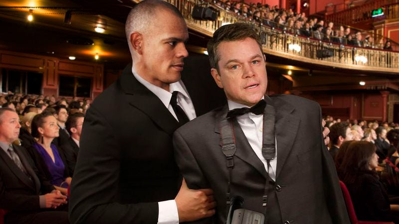 Illustration for article titled Dolby Theatre Usher Throws Out Matt Damon For Attempting To Film Oscars With Camcorder