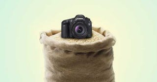 Illustration for article titled Use Bags of Rice or Beans to Stabilize Your Camera