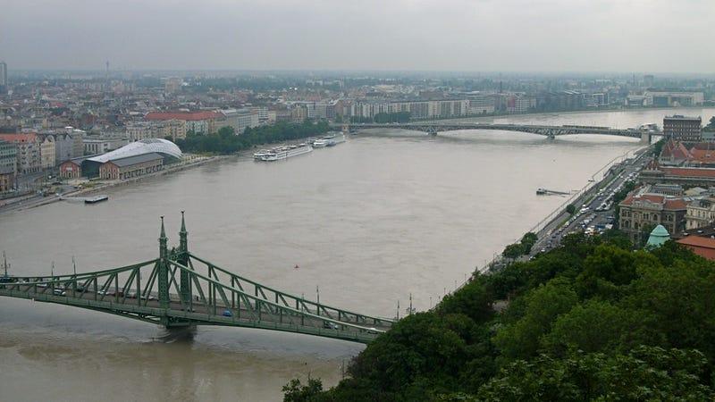 Illustration for article titled A Duna a Gellért-hegyről ma reggel (csütörtök)