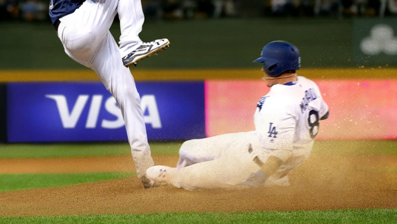Illustration for article titled Manny Machado Denies Playing Dirty After Late Slide Into Pitcher's Mound