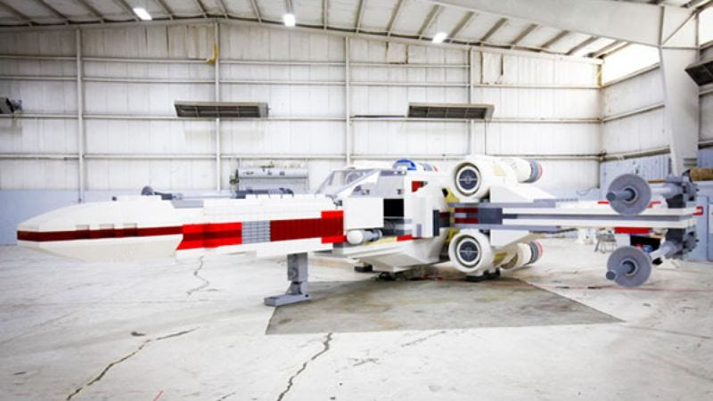 Illustration for article titled Behold, a life-sized replica of a Star Wars X-Wing fighter built entirely out of Lego pieces