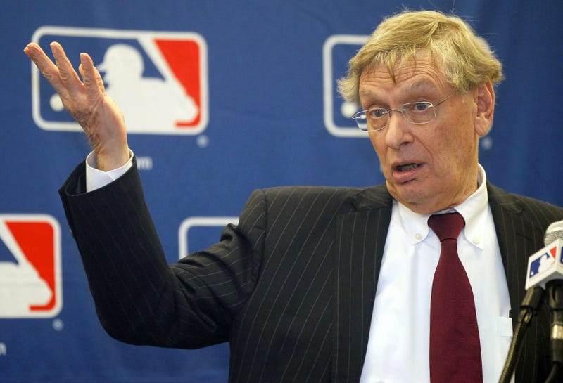 Illustration for article titled MLB Is Trying To Dick Some Of Its Employees Out Of Their Pensions