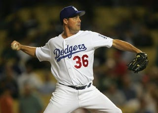 Illustration for article titled Greg Maddux Is Taking His 355 Wins And Going Home