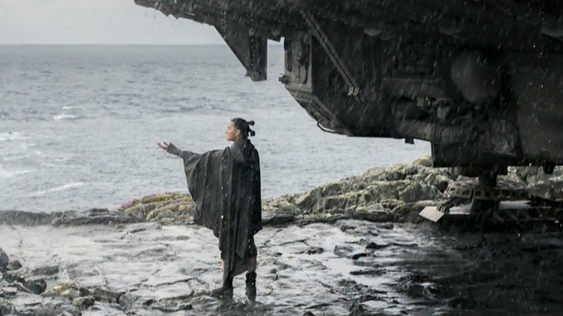 'Star Wars: The Last Jedi' Soars to $220 Million Opening Weekend